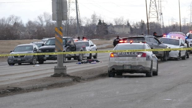 16-year-old girl shot by Winnipeg police dies in hospital | CBC News