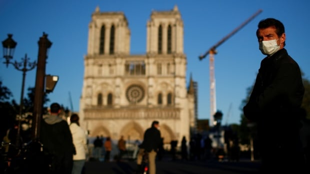 Notre-Dame cathedral to be rebuilt without modern touches | CBC News