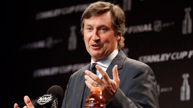 Police make arrests after theft of Wayne Gretzky memorabilia at father's home   CBC Sports