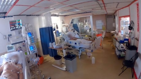 This is what it's like inside Sacré-Cœur hospital's COVID-19 hot zone