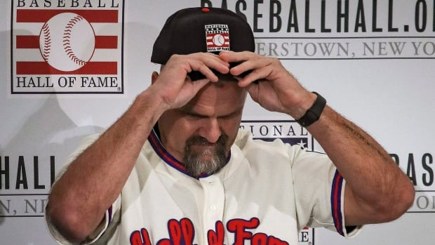 Larry Walker's Baseball Hall of Fame induction ceremony pushed to 2021