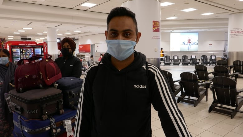 Canada turning to foreign airlines to bring home citizens stranded by pandemic