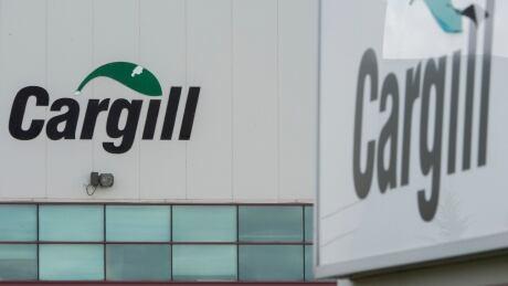 COVID Que Cargill 20200510