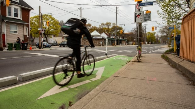 Toronto to vote on 25 km cycling network expansion, including lanes on Bloor and Avenue | CBC News