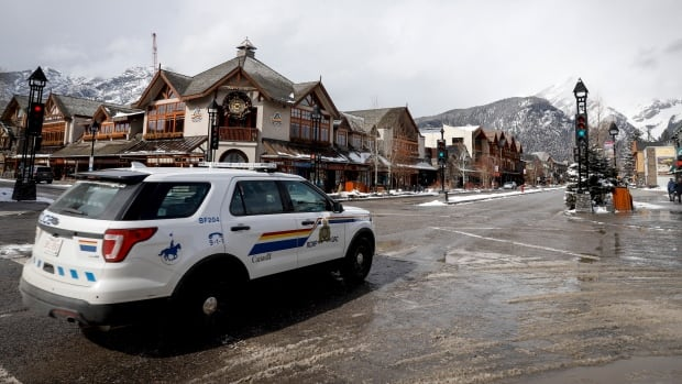 Banff will close its main street to cars this summer, opening space for pedestrians | CBC News