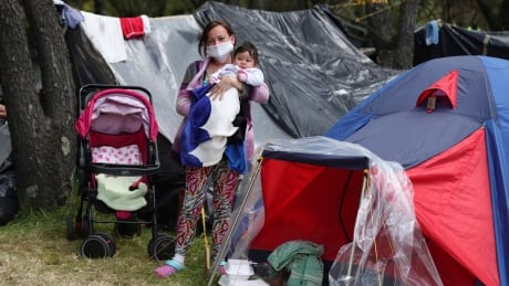 Virus Outbreak Colombia - Migrant Portraits Photo Gallery