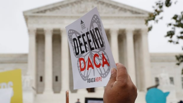 U.S. Supreme Court rejects describe by Trump administration to total DACA immigrant program thumbnail