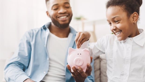 Alberta funds 2 programs to teach students financial literacy