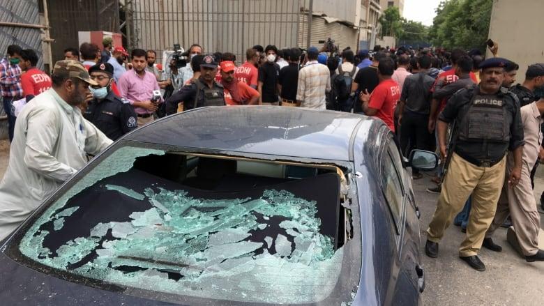 Gunmen attack Pakistan stock exchange building in Karachi