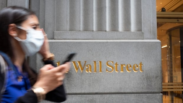 Documents suggest international banks made $2T in profit from business they knew was suspicious