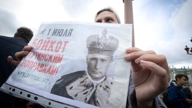 Russian voters grant Putin factual to lengthen rule till 2036 thumbnail
