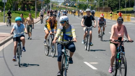 ActiveTO cyclists on closed Lakeshore