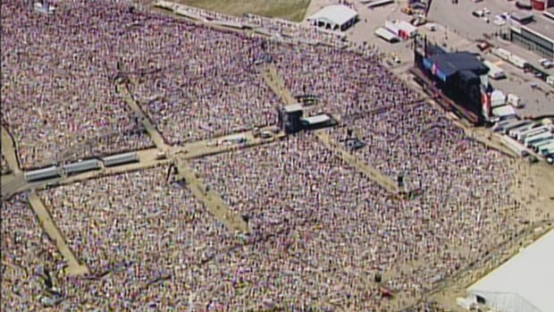 The 2003 concert that rocked Toronto after SARS | CBC Archives
