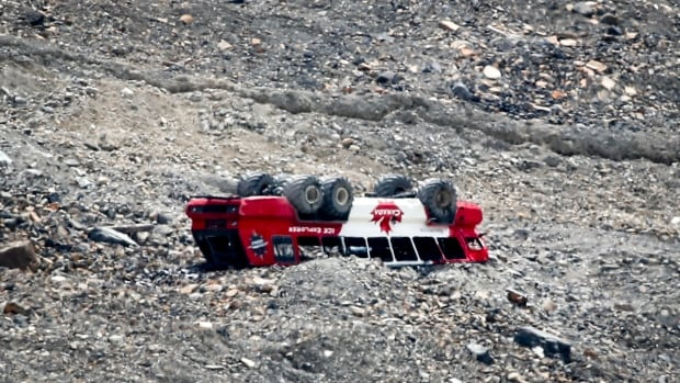 Survivors of deadly Icefield tour bus crash near Jasper, Alta., to provide update on their case   CBC News
