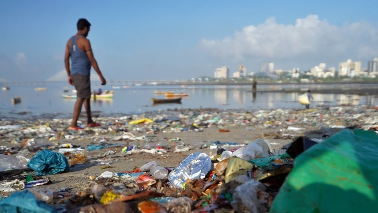 1.3 billion tons of plastic will be in the environment by 2040