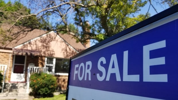 Canada's housing market moderately vulnerable, CMHC says in first quarterly report since COVID-19 began