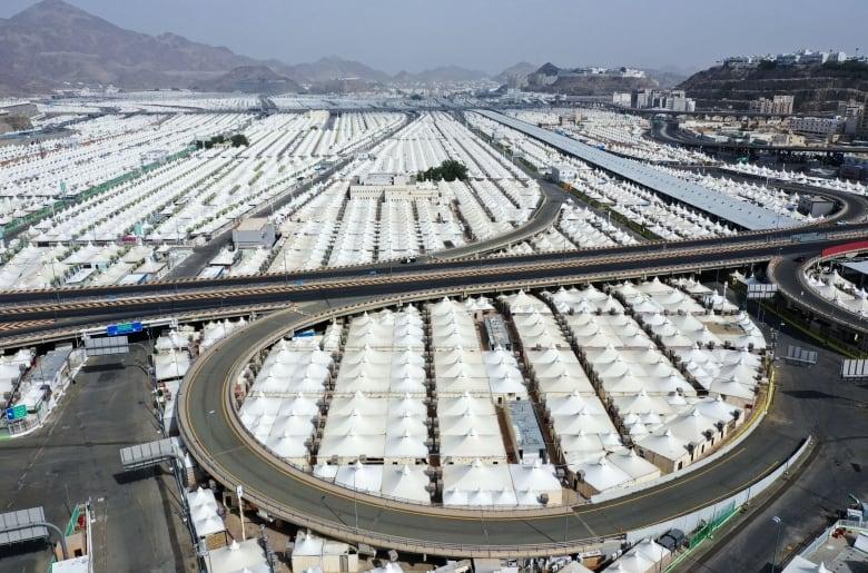 1,000 hajj pilgrims at Arafat today