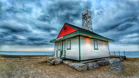 <div>Looking back on 100 years of Toronto's Leuty Lifeguard Station</div>