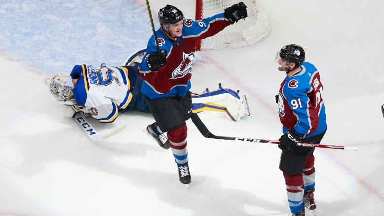 Nazem Kadri scores buzzer-beating goal as Avalanche beat Blues