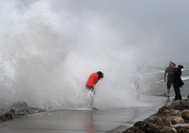 USA  eastern seaboard braces for Hurricane Isaias