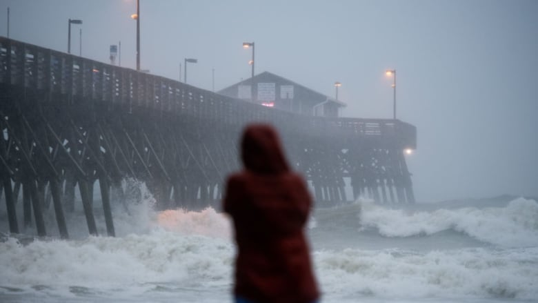 Storm surge warnings as Hurricane Isaias roars ashore on U.S. east coast