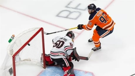 2-minute NHL playoff recap: Connor McDavid puts on a show