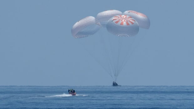 U.S. astronauts who made first splashdown landing in 45 years to talk about their experience   CBC News