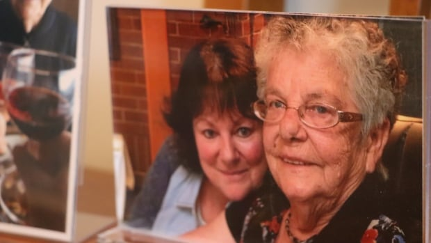'Suspended in time': Gaspé family struggling to mourn mother without rituals | CBC News
