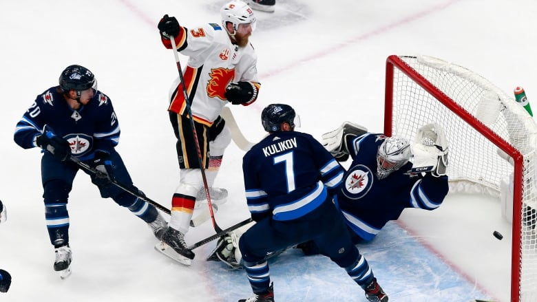 For The Winnipeg Jets The Strangest Season Ever Ends With A Kubrick Worthy Anticlimax Cbc News