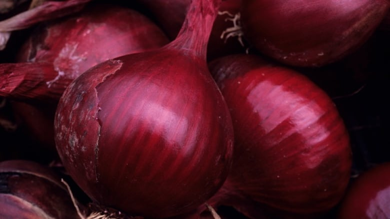 Salmonella outbreak from contaminated onions reaches MA; 640 sick nationwide