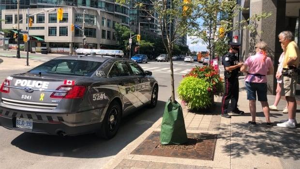 Toronto police investigate 'brazen' daylight shooting on Front Street West