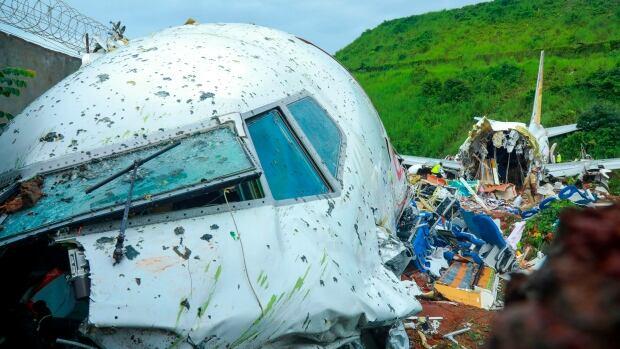 Survivors of deadly India crash say plane swayed violently | CBC News