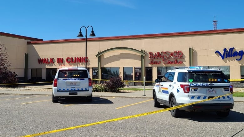 Charges likely in fatal attack at central Alberta medical clinic: RCMP