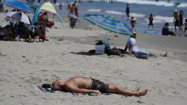 California orders rolling power outages during heat wave   CBC News