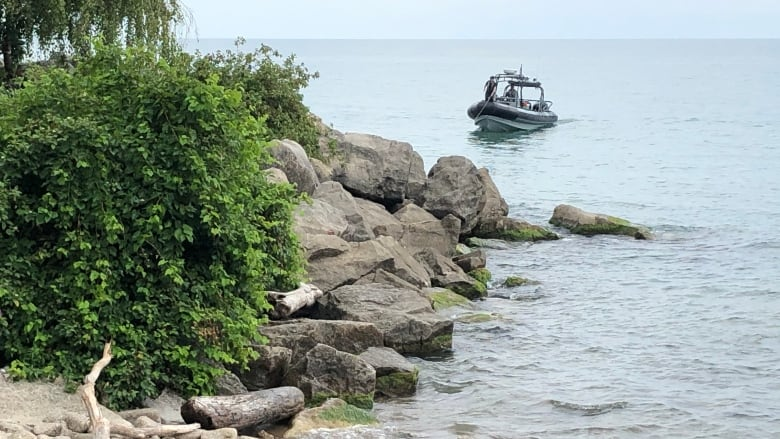 Body recovered from Lake Ontario during search for missing man in Scarborough