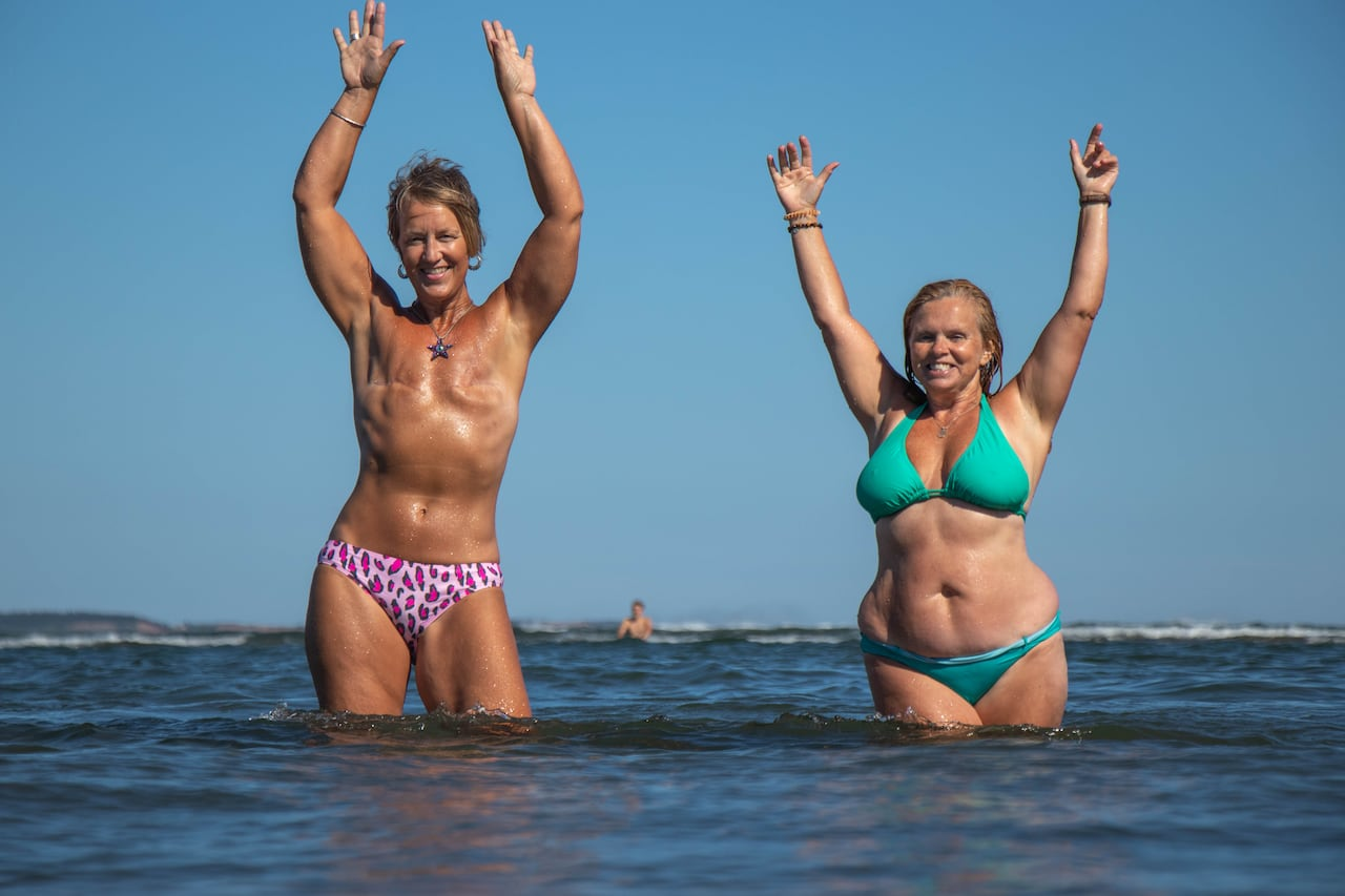 Beach pics women at the naked Real Nudist