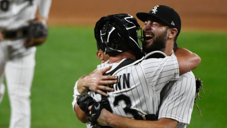 Lucas Giolito tosses 19th no-hitter in White Sox history