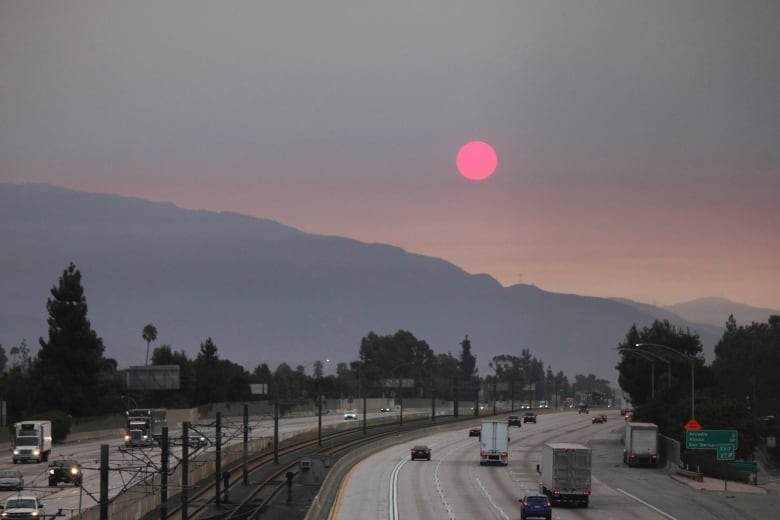 3 firefighters injured battling California wildfire