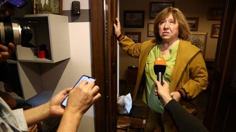 Masked men raid Belarusian opposition politician Babariko's headquarters
