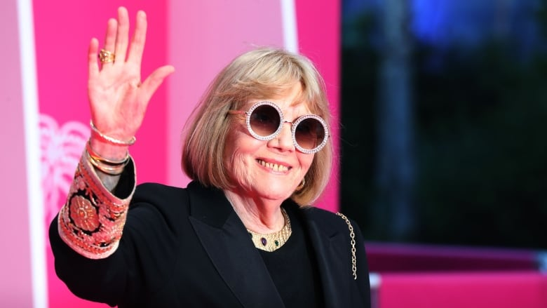 Actress Diana Rigg of The Avengers, Game of Thrones dead at 82 | CBC News