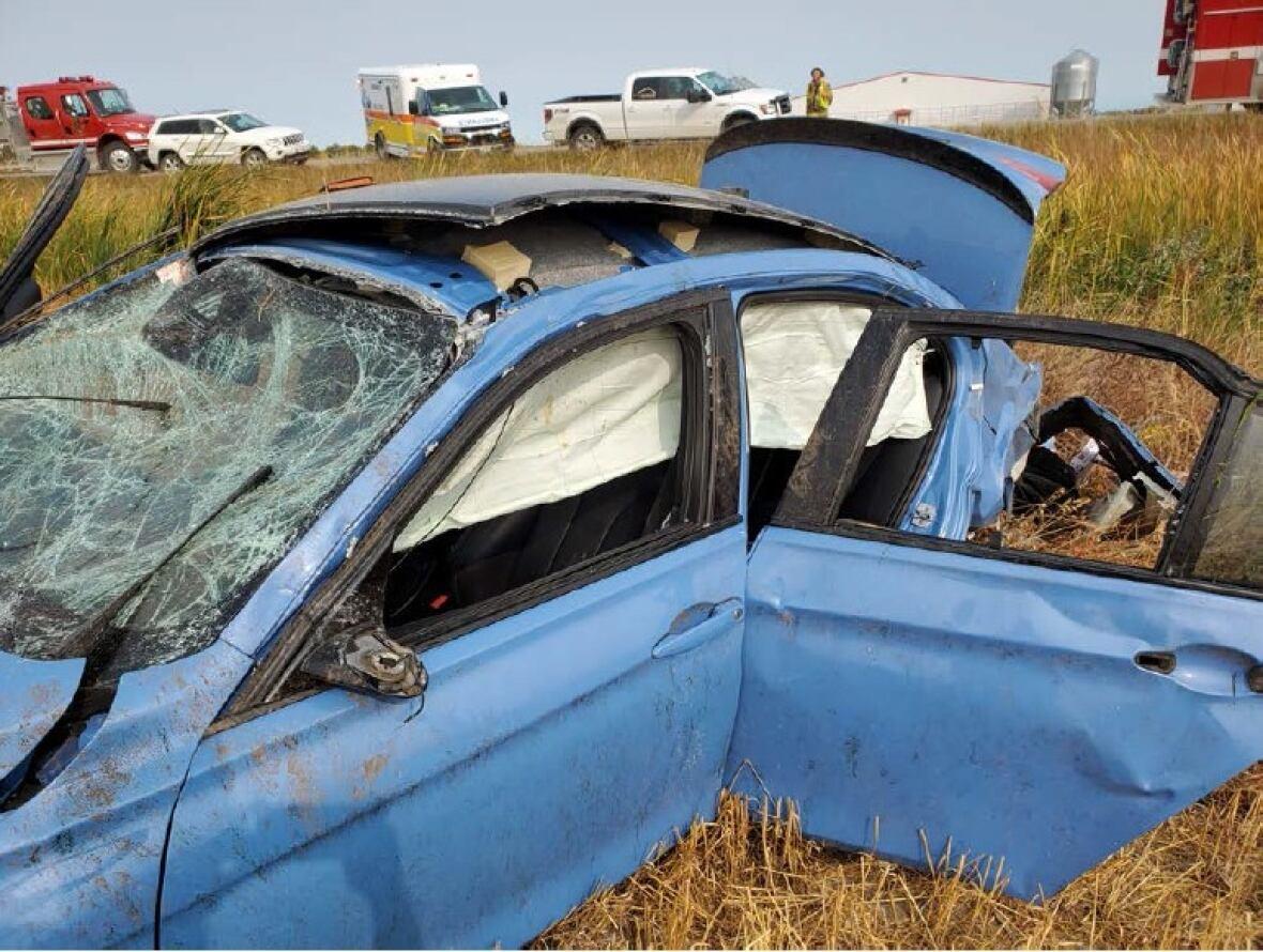 https://i.cbc.ca/1.5726628.1600282204!/fileImage/httpImage/image.jpg_gen/derivatives/original_1180/highway-racing-crash-in-manitoba.jpg