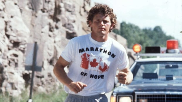 Terry Fox favoured to appear on new $5 bill, survey suggests
