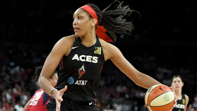 Lynx Dangerfield, Reeve Honored With WNBA Awards