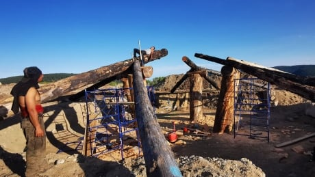 Tsilhqot'in family pit house 1