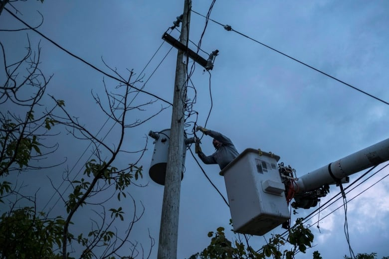 White House to give $13B in aid to Puerto Rico