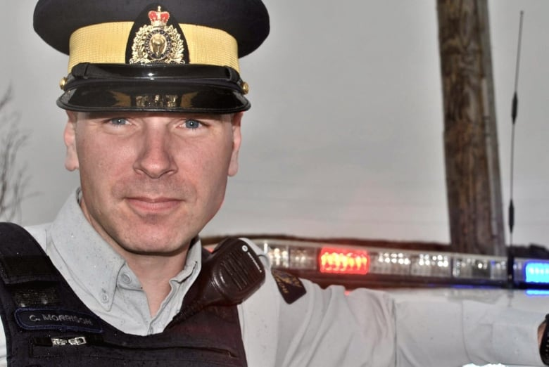 How an RCMP officer escaped and survived after being shot by the N.S. gunman