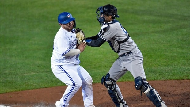 Yankees stop Blue Jays in their tracks with resounding victory
