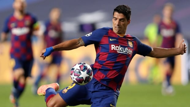 Luis Suarez, Barcelona's 3rd leading scorer all-time, joins rival Atletico Madrid