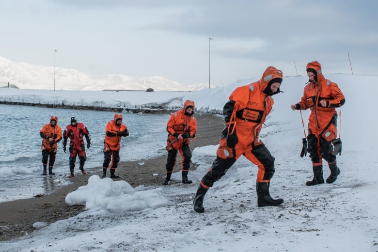 Ship's ban on tight clothes has 'nothing to do with gender,' says director of polar research institute