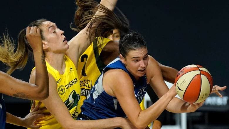 Lynx defeated 92-71 by Storm in Game 3